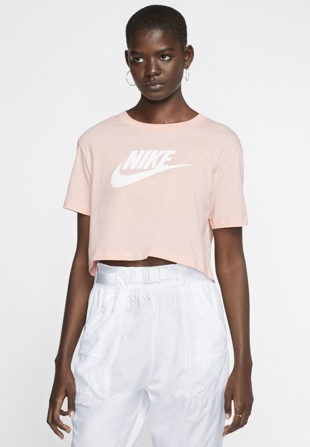 T-shirts med print - washed coral/white