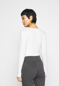 Abercrombie & Fitch - COZY TWIST FRONT  - Long sleeved top - white - 2