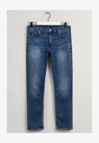 MAXEN RETRO SHIELD - Straight leg -farkut - blue denim