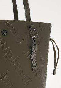 Desigual - BOLS COLORAMA NORWICH - Handbag - green - 5