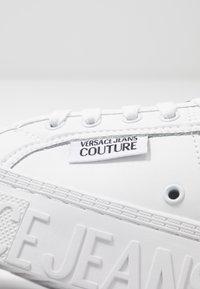 Versace Jeans Couture - CASSETTA LOGATA  - Tenisky - white - 5