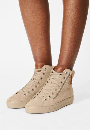 Sneakers hoog - almond/cognac