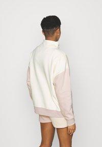 Nike Sportswear - Sweatshirt - coconut milk - 2