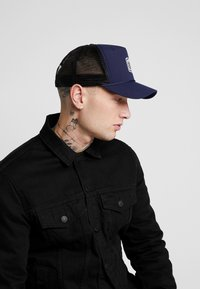 Element - WOLFEBORO TRUCKER - Caps - indigo