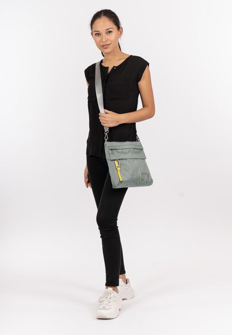 SURI FREY - MARRY - Across body bag - mint