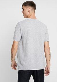 Topman - TEXT CREW - T-shirt - bas - light grey - 2