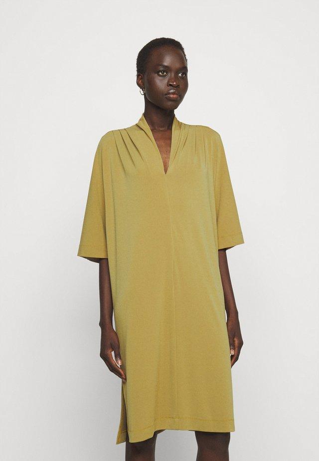 BIJOU - Korte jurk - golden beige