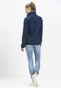 Whistler - Covina MIT WASSERDICHTER ZWISCHENMEMBRAN - Soft shell jacket - navy - 2