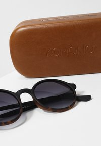 Komono - MADISON - Sunglasses - matte black/tortoise - 3