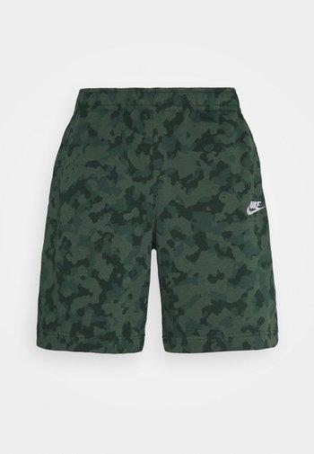 CLUB CAMO - Shorts - galactic jade/white