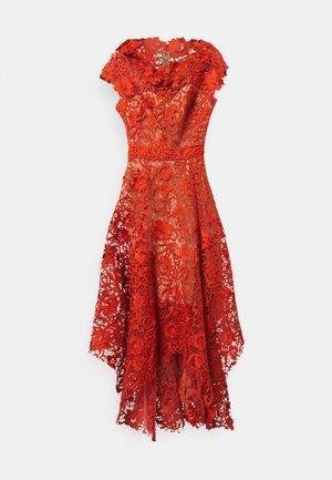 Koktejlové šaty/ šaty na párty - burnt orange