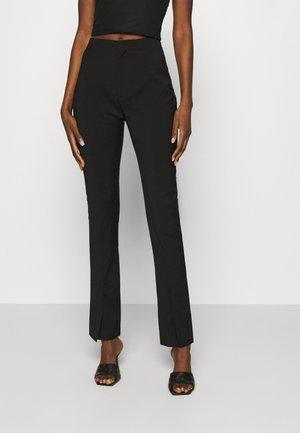 TROUSERS - Pantalones - black tailored