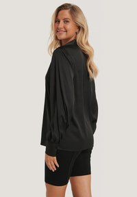 NA-KD - Button-down blouse - black - 2
