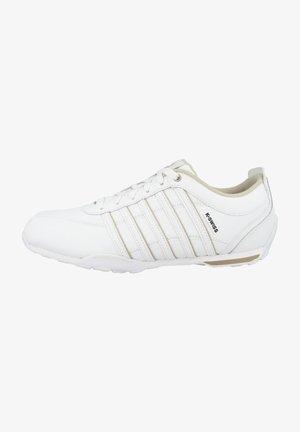 ARVEE - Sneakers - white-humus