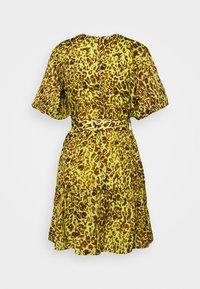 Pinko - NUVOLOSO ABITO MUSSOLA ST.MACULA - Day dress - neon green - 8