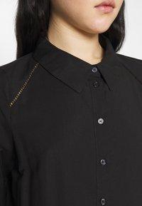 Vero Moda - VMFAY TUNIC DRESS - Košilové šaty - black - 6