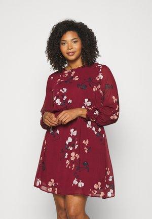 VMNILLA DRESS - Day dress - cabernet
