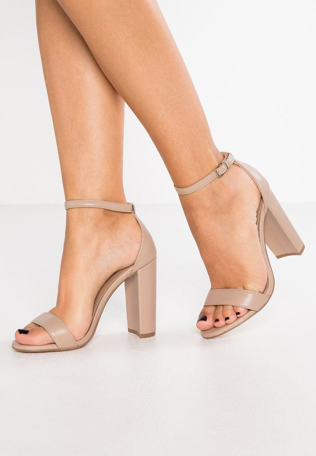 CARRSON - Korolliset sandaalit - blush