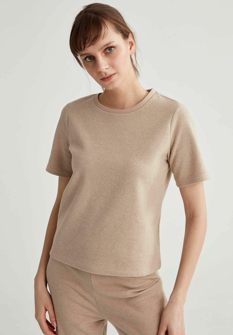 DeFacto - Basic T-shirt - light brown