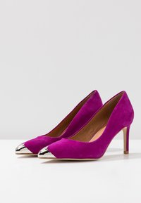 Shoe The Bear - CORA METAL TOE - Classic heels - purple - 4