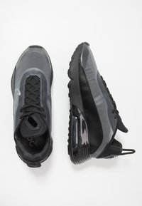 Nike Sportswear - AIR MAX 2090 - Zapatillas - black/white/wolf grey/anthracite/reflect silver - 1