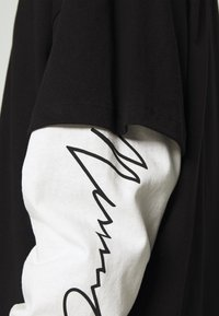 Mennace - LAYERED TEE - Longsleeve - black - 5