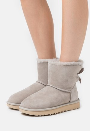 MINI BAILEY BOW - Bottines - grey