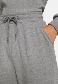 Even&Odd - Off Shoulder Sweat & Jogger Set - Sweatshirt - mottled grey - 7