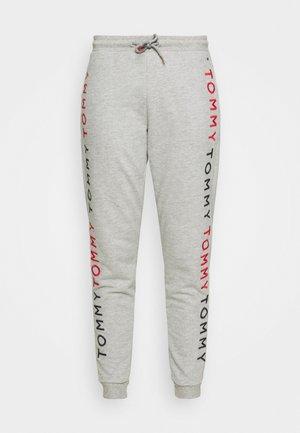 EMBROIDERY TRACK PANT - Pyjamahousut/-shortsit - medium grey heather