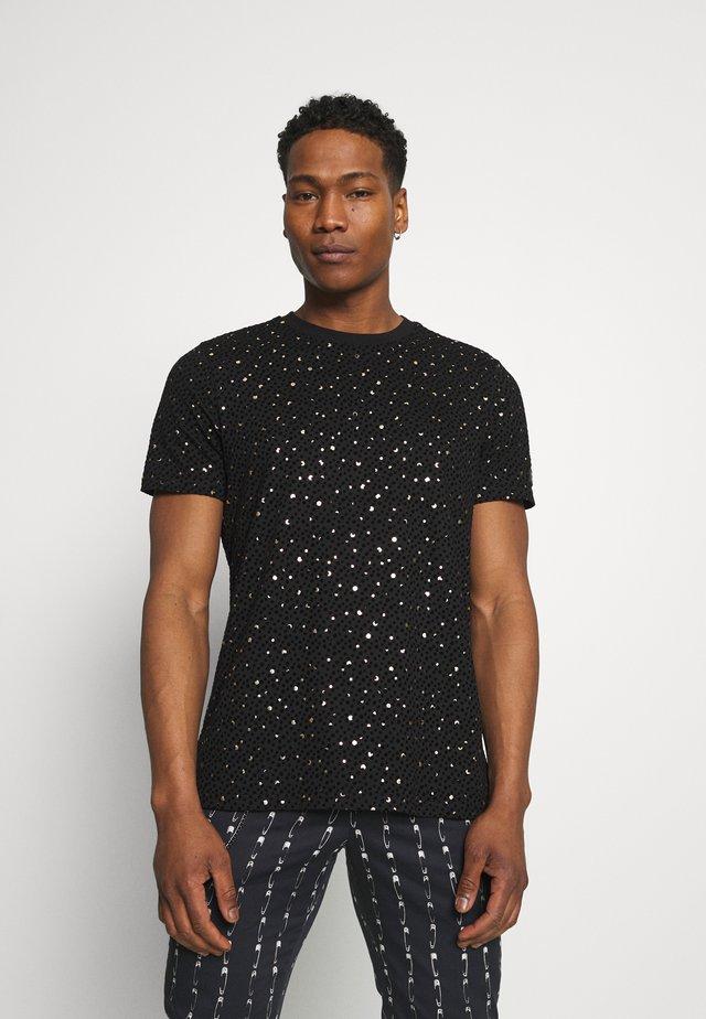 FARROW - Camiseta estampada - black/gold