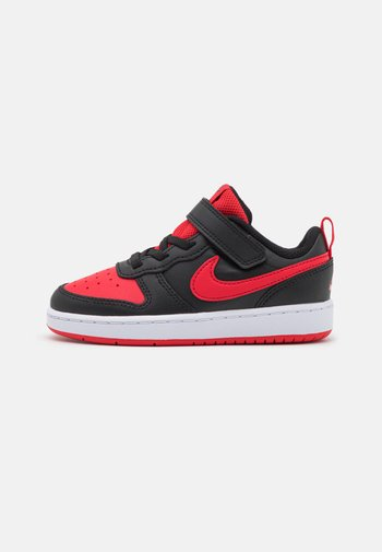 COURT BOROUGH 2 UNISEX - Sneakers basse - black/university red
