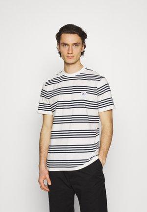 OUR JARVIS STRIPE TEE - Print T-shirt - dark blue