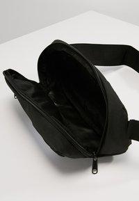 Puma - SOLE WAIST BAG - Bum bag - black - 4