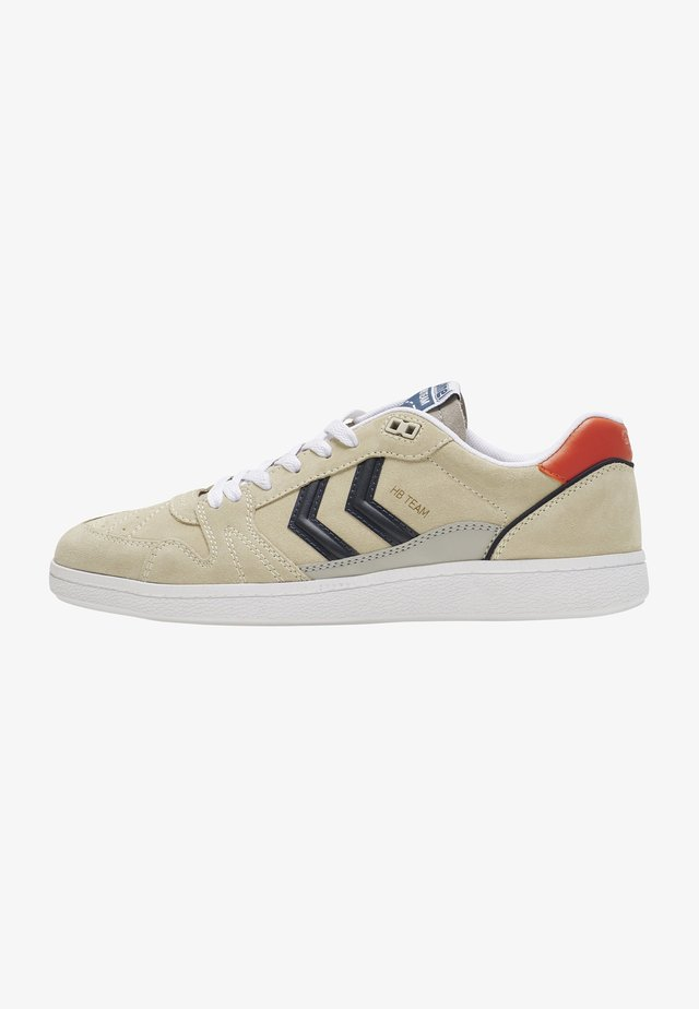 Sneakersy niskie - whisper white