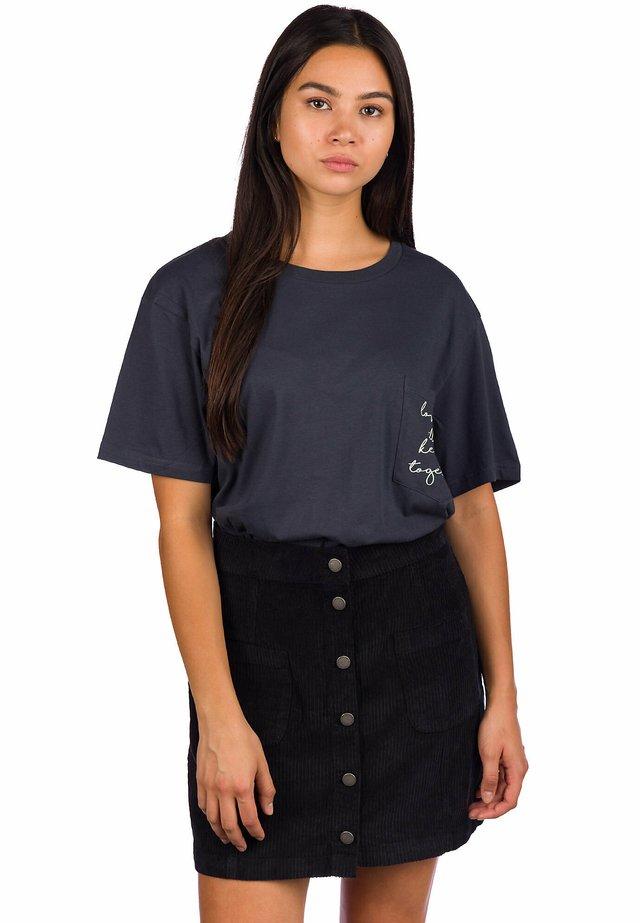 KEEP US TOGETHER  - Camiseta estampada - ink