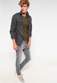 Nudie Jeans - LEAN DEAN - Slim fit -farkut - pine grey - 1