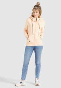 khujo - WANARI - Zip-up sweatshirt - apricot - 1