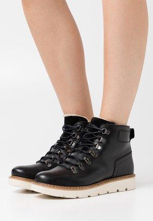VMMARY - Kotníková obuv - black