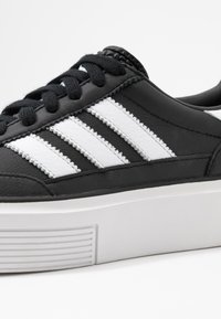 adidas Originals - SLEEK SUPER 72 - Sneakers - core black/footwear white/crystal white - 2