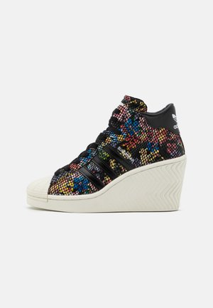 SUPERSTAR ELLURE  - High-top trainers - core black/offwhite/red