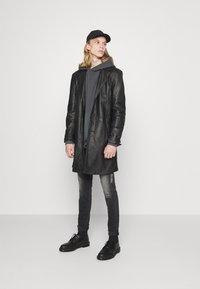 Levi's® - DRAWCORD HEM HOODIE - Sweatshirt - greys - 1