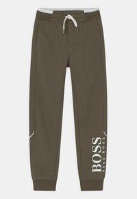 BOSS Kidswear - Pantalones deportivos - khaki - 0