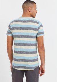 Solid - RUNDHALSSHIRT THICCO - Print T-shirt - light blue - 2