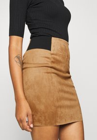 Vero Moda - VMCAVA SKIRT - Minifalda - tobacco brown - 4