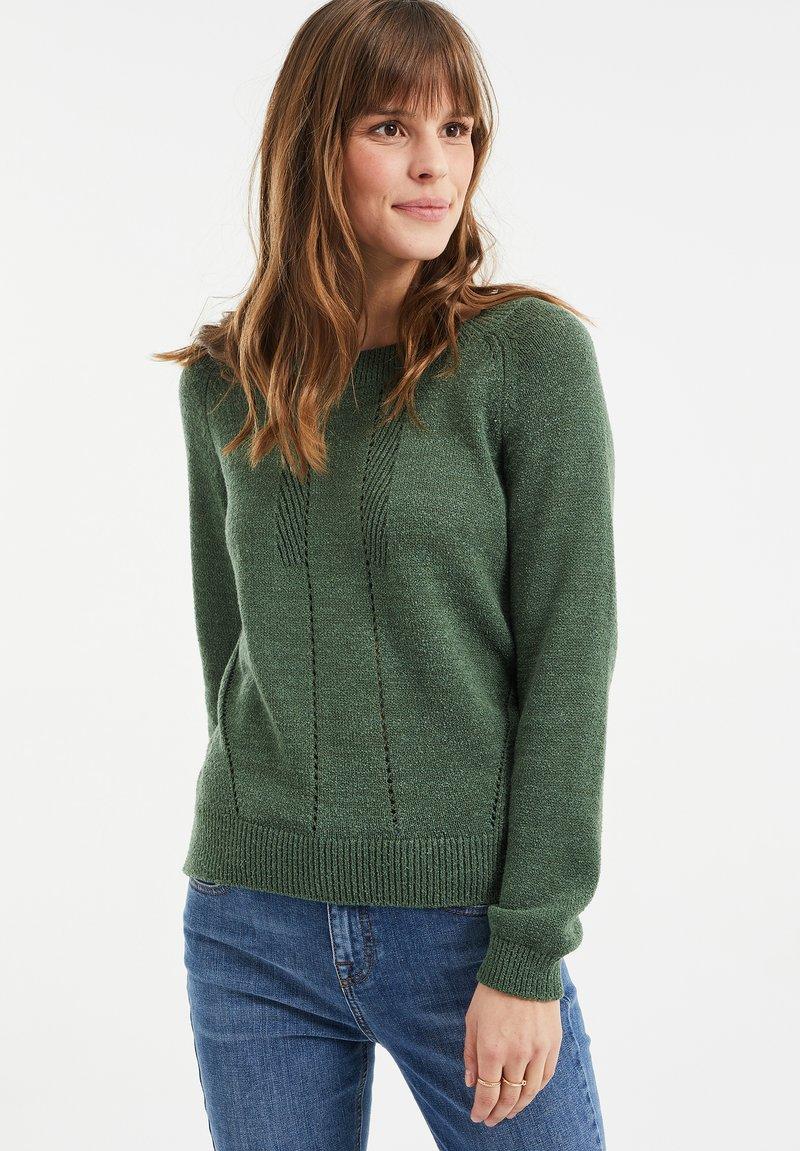 WE Fashion - MET OPENGEWERKTE STRUCTUUR - Maglione - green