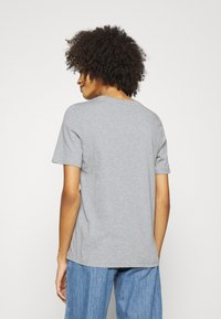 Tommy Hilfiger - REGULAR OPEN SCRIPT TEE - T-shirt print - light heather grey - 2