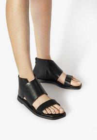 Inuovo - Ankle cuff sandals - mntrl black nbl - 0
