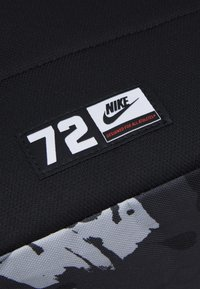 Nike Sportswear - HERITAGE UNISEX - Mochila - black/white - 3