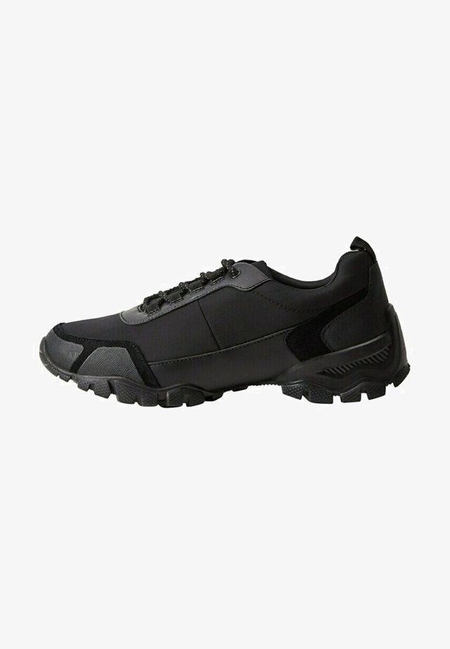 RUNMILAN - Sneakers laag - noir