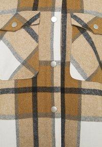 ONLY - ONLELLENE VALDA CHACKET - Summer jacket - bone brown/black - 6